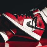 "Nike|名作2カラーを融合させた Air Jordan 1 Mid ""Chicago Black Toe"" が発売!抽選まとめ"